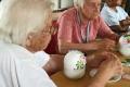 Basteln-Tischdekoration-im-Seniorenheim-07